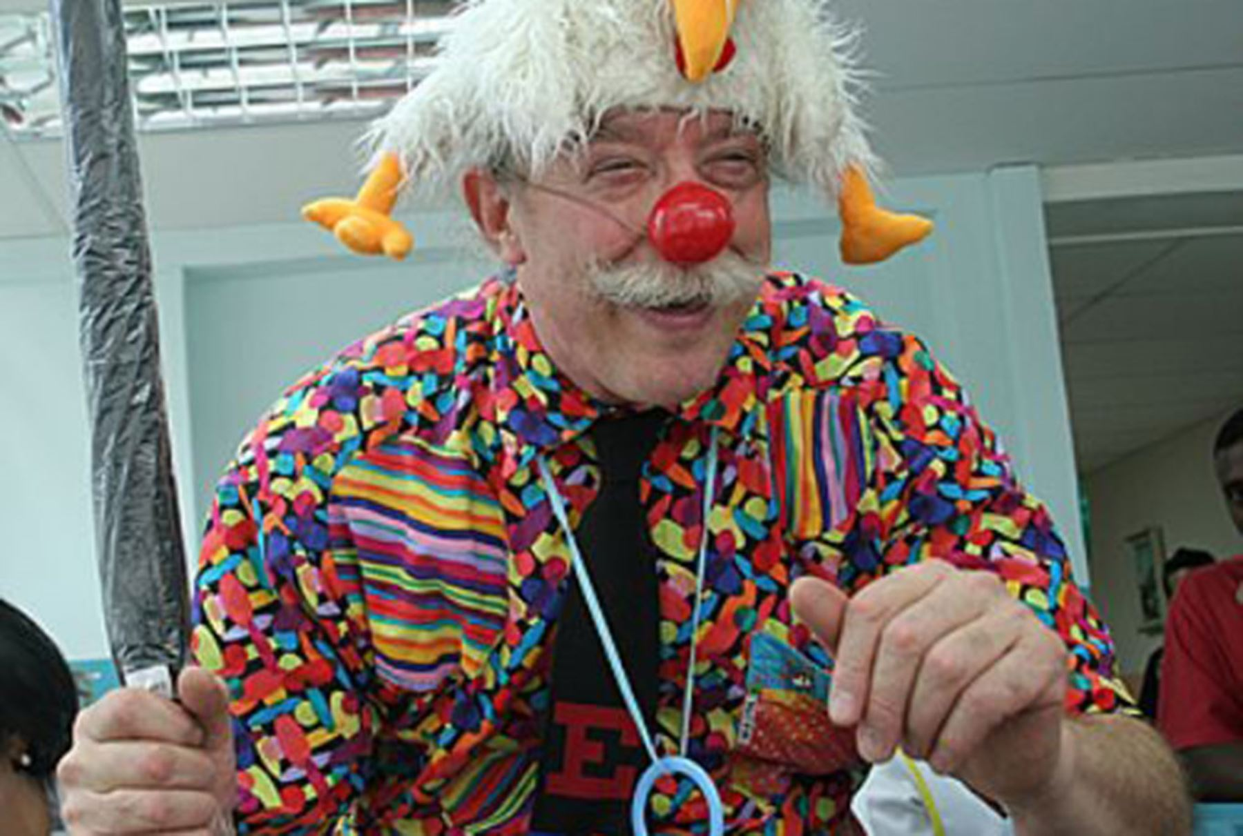 patch adamas Patch adams is a doctor who doesn't look, act or think like other doctors for patch, humor is the best medicine, and he's willing to do just about anything to make his patients laugh-- even.